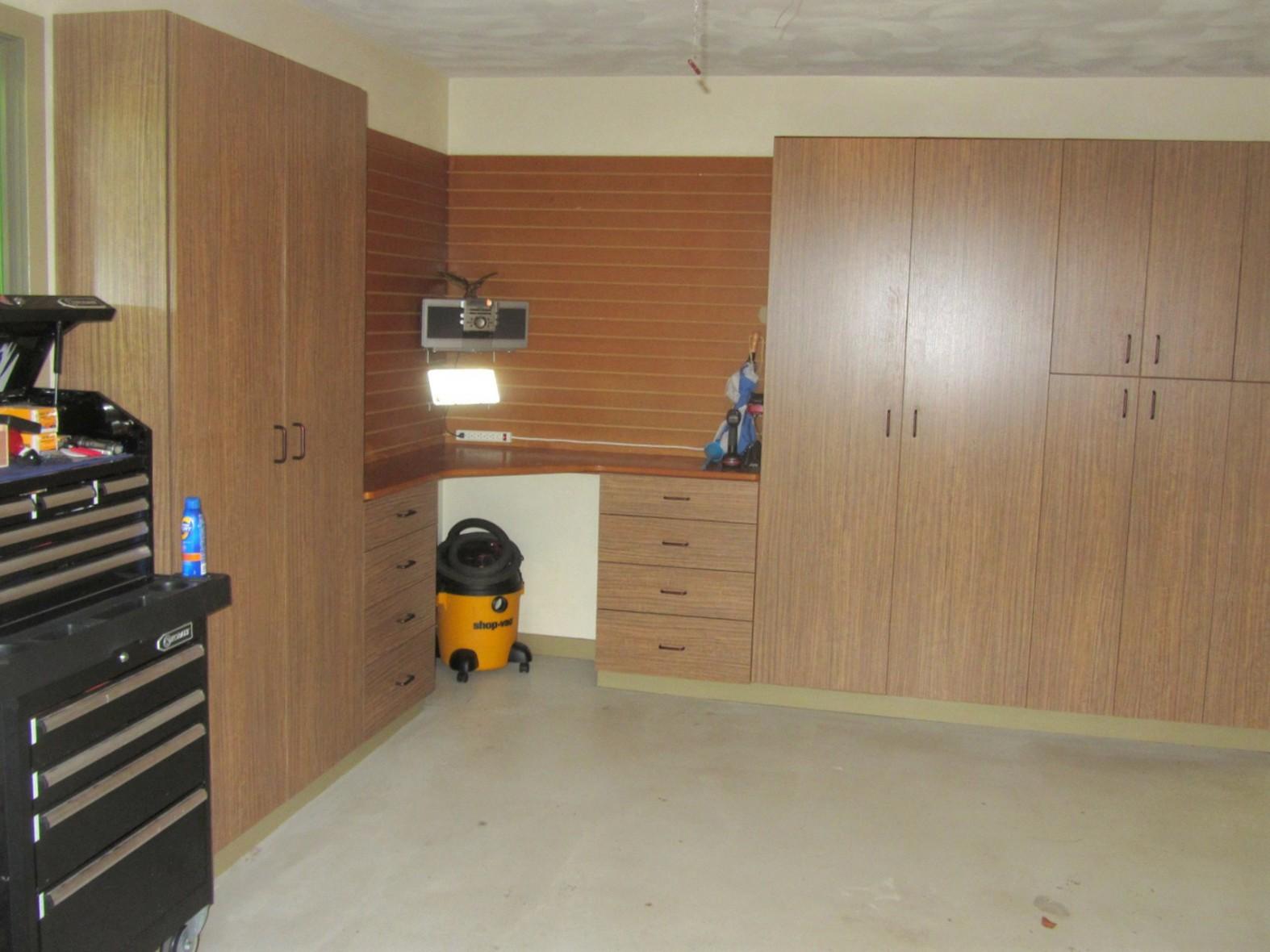 Garages 6