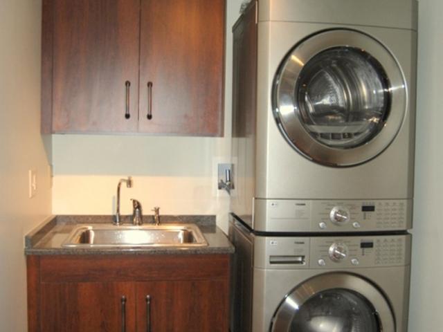 Pantries & Laundry 5